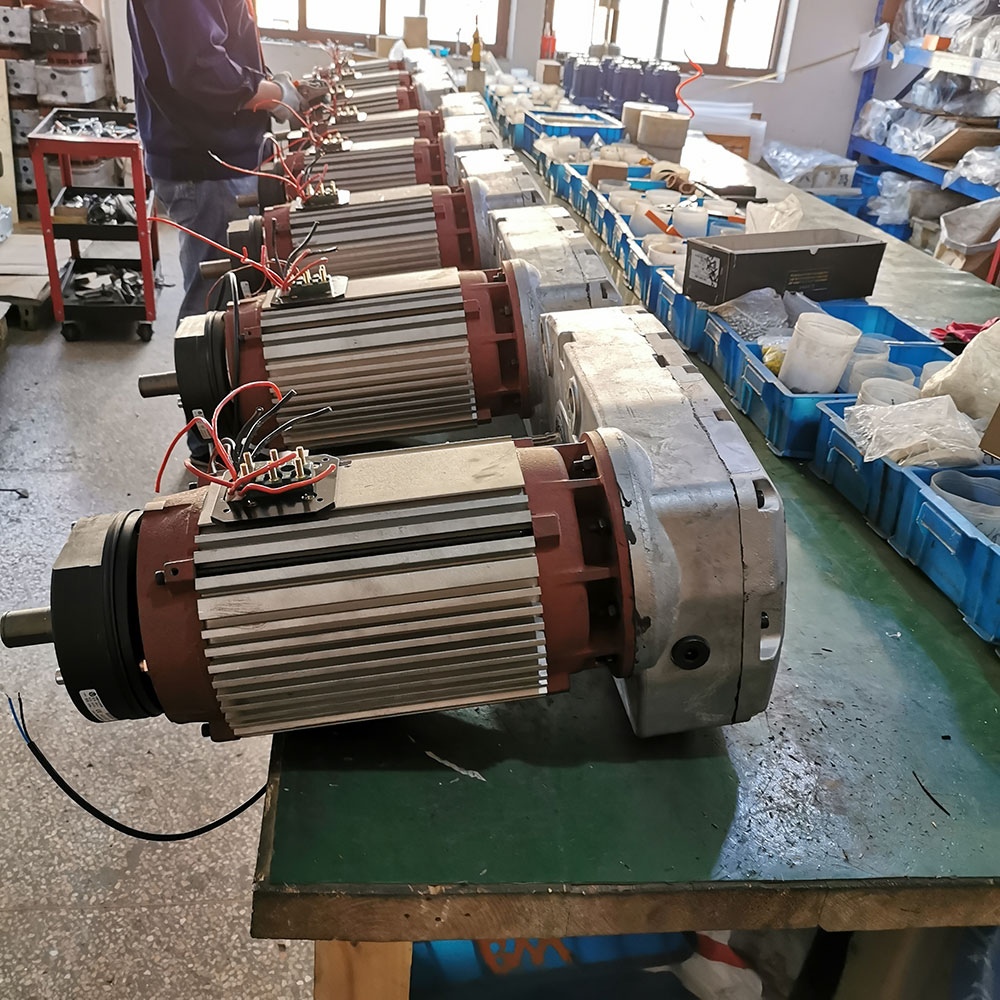 08-3-MHTOOL-European-Electric-Wire-Rope-Hoist-Motor-Reducer